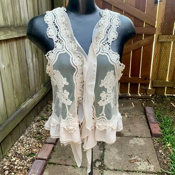 Umgee Women Boho Style Ivory Lace Ruffle Crop Vest